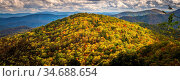 Blue ridge and smoky mountains changing color in fall. Стоковое фото, фотограф Zoonar.com/Alex Grichenko / age Fotostock / Фотобанк Лори