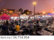 The Night market and walking street at the Coast of Laemtan at the... Стоковое фото, фотограф Zoonar.com/URS FLUEELER / age Fotostock / Фотобанк Лори