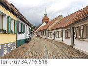 Altstadt mit Stadtkirche St. Georg in Arneburg, Landkreis Stendal... Стоковое фото, фотограф Peter Schickert / age Fotostock / Фотобанк Лори