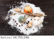 Top view of shells and coarse grained Sea Salt and peppercorns on... Стоковое фото, фотограф Zoonar.com/Valery Voennyy / easy Fotostock / Фотобанк Лори