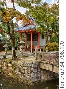 The small shrine over the watercourse at Kiyomizu-dera Temple. Kyoto. Japan (2007 год). Стоковое фото, фотограф Serg Zastavkin / Фотобанк Лори