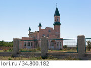 Мечеть Кунан Джамиси в селе Красносельское, Черноморского района, Крым (2020 год). Стоковое фото, фотограф Николай Мухорин / Фотобанк Лори