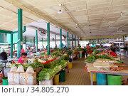View of Local market in simunjan, sarawak, Kuching, sarawak, malaysia... Стоковое фото, фотограф Chew Chun Hian / age Fotostock / Фотобанк Лори