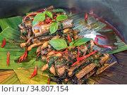 Clam razor shell Solenidae stir spicy with paste and basil. Стоковое фото, фотограф Vichaya Kiatying-Angsulee / easy Fotostock / Фотобанк Лори