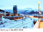 Narvik Town Square Cityscape at dusk, Norway. Стоковое фото, фотограф Vichaya Kiatying-Angsulee / easy Fotostock / Фотобанк Лори