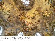 Fresko in der Kuppel der barocken Karlskirche in Wien, Österreich... Стоковое фото, фотограф Peter Schickert / age Fotostock / Фотобанк Лори