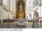 Altar der gotischen römisch-katholischen Pfarrkirche Augustinerkirche... Стоковое фото, фотограф Peter Schickert / age Fotostock / Фотобанк Лори