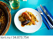 Spainsh dish seafood paella with rice, shrimps and mussels. Стоковое фото, фотограф Яков Филимонов / Фотобанк Лори