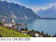 Montreux, Vaud Canton, Switzerland. Overall view of city on shore... Стоковое фото, фотограф Ken Welsh / age Fotostock / Фотобанк Лори