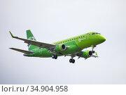S7 Airlines Embraer ERJ-170-100SU 170SU. Редакционное фото, фотограф Art Konovalov / Фотобанк Лори