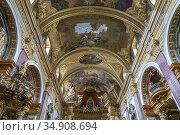 Deckengemälde der Jesuitenkirche in Wien, Österreich, Europa | Ceiling... Стоковое фото, фотограф Peter Schickert / age Fotostock / Фотобанк Лори