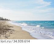 Santa Maria del Mar Beach, Habana del Este, Havana, La Habana Province... Редакционное фото, фотограф Karol Kozlowski / age Fotostock / Фотобанк Лори