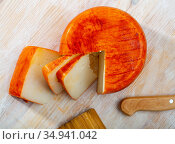 Goat cheese with paprika. Стоковое фото, фотограф Яков Филимонов / Фотобанк Лори