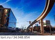 Light rail line street on Jefferson Ave in Detroit (2018 год). Стоковое фото, фотограф Сергей Новиков / Фотобанк Лори