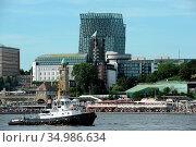 Hotel harbour hamburg,tanzende trme. Стоковое фото, фотограф markus hoetzel / easy Fotostock / Фотобанк Лори