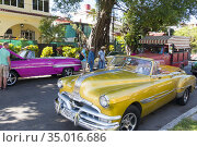 American cars in Havana. Many are used as taxi. (2017 год). Редакционное фото, фотограф Andre Maslennikov / age Fotostock / Фотобанк Лори