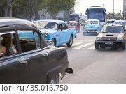 Cars in Havana. Most are old American from 1950 to 1960. (2017 год). Редакционное фото, фотограф Andre Maslennikov / age Fotostock / Фотобанк Лори