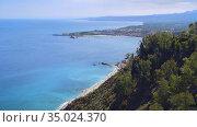 breathtaking view of Sicily, Ionian Sea near Taormina, mainland Italy view (2019 год). Стоковое видео, видеограф Ирина Мойсеева / Фотобанк Лори