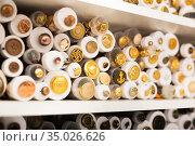 Buttons on needlework store shelves in Barcelona (2019 год). Редакционное фото, фотограф Яков Филимонов / Фотобанк Лори