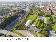 Superstrada Milano - Meda - Lentate and high voltage line, Cesano... Стоковое фото, фотограф Andre Maslennikov / age Fotostock / Фотобанк Лори