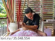 Spa, wellness, massages in Meridien Hotel on the island of Tahiti... Редакционное фото, фотограф Sergi Reboredo / age Fotostock / Фотобанк Лори