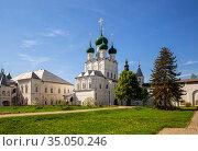 Церковь Иоанна Богослова в Ростовском кремле (2019 год). Редакционное фото, фотограф Юлия Бабкина / Фотобанк Лори