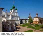Bishops court of Rostov Kremlin (2019 год). Редакционное фото, фотограф Юлия Бабкина / Фотобанк Лори