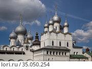 Купола Ростовского кремля (2019 год). Редакционное фото, фотограф Юлия Бабкина / Фотобанк Лори