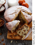 Cake with raisin. Стоковое фото, фотограф Надежда Мишкова / Фотобанк Лори