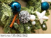 Christmas wreath details. Стоковое фото, фотограф Юлия Бабкина / Фотобанк Лори