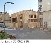 Здание синагоги Арам Цуба на улице Ааронсон,4. Тель-Авив, Израиль (2012 год). Редакционное фото, фотограф Ирина Борсученко / Фотобанк Лори