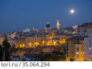 Alcoy Alicante Spain on October 30, 2020: City view with full moon. Стоковое фото, фотограф Ana del Castillo / age Fotostock / Фотобанк Лори