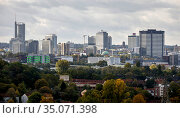 Essen City view, skyline with RWE Tower, Evonik Headquarters, Postbank Tower and City Hall Essen, Essen, Ruhr Area, North Rhine-Westphalia, Germany. Редакционное фото, агентство Caro Photoagency / Фотобанк Лори