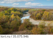The mainstream of the White river among the mountains and forests in Adygea. Стоковое фото, фотограф Владимир Ушаров / Фотобанк Лори