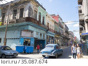Cars in Havana. Most are old American from 1950 to 1960 and used ... (2016 год). Редакционное фото, фотограф Andre Maslennikov / age Fotostock / Фотобанк Лори