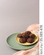 Зефир в шоколадной глазури. Свободное место для текста. Стоковое фото, фотограф Наталья Гармашева / Фотобанк Лори