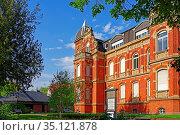 Villa Ecarius, Volkshochschule. Стоковое фото, фотограф Bernd J. W. Fiedler / age Fotostock / Фотобанк Лори