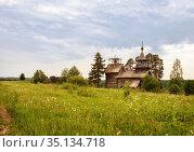Wooden chapel in Manga village, Karelia (2014 год). Стоковое фото, фотограф Юлия Бабкина / Фотобанк Лори