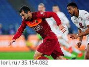 Henrikh Mkhitaryan (Roma) Bremer (Torino) during the match ,Rome, ... Редакционное фото, фотограф Federico Proietti / Sync / AGF/Federico Proietti / / age Fotostock / Фотобанк Лори