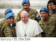 Pope Francis salutes a group of Argentine soldiers at the end of ... Стоковое фото, фотограф Antoine Mekary / Godong / age Fotostock / Фотобанк Лори