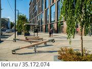 Москва, жилой комплекс LOFTEC, вид со стороны фасада и улицы Нижняя Красносельская (2020 год). Редакционное фото, фотограф glokaya_kuzdra / Фотобанк Лори