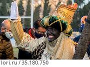 Este año no hubo en Sevilla Cabalgata de los Reyes Magos, pero los... Редакционное фото, фотограф Salvador López Medina / age Fotostock / Фотобанк Лори