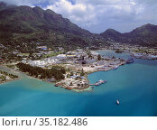 View of the harbor in Victoria. The island's capital of Mahé, Seychelles... Стоковое фото, фотограф Andre Maslennikov / age Fotostock / Фотобанк Лори