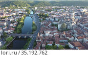 Aerial view of the city of Perigueux and the Ile river at sunset. France. Стоковое видео, видеограф Яков Филимонов / Фотобанк Лори