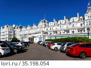England, East Sussex, Eastbourne, The Five Star Grand Hotel. Стоковое фото, фотограф Steve Vidler / age Fotostock / Фотобанк Лори