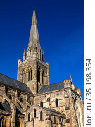 England, West Sussex, Chichester, Chichester Cathedral. Стоковое фото, фотограф Steve Vidler / age Fotostock / Фотобанк Лори