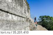 Fragment of Temple of the Masks, El Peten, Grand Plaza, Tikal National Park, Yucatan, Guatemala. Редакционное фото, фотограф Николай Коржов / Фотобанк Лори