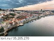 Aerial view of Vila Nova de Gaia city, Portugal. View from Dom Luis... Стоковое фото, фотограф Konrad Zelazowski / age Fotostock / Фотобанк Лори