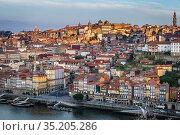 Sunrise over Porto city on Iberian Peninsula, second largest city... Стоковое фото, фотограф Konrad Zelazowski / age Fotostock / Фотобанк Лори