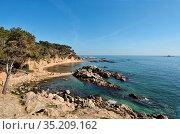 Cala Estreta beach and Formigues island, Palamos, Costa Brava, Girona... Стоковое фото, фотограф Josep Curto / easy Fotostock / Фотобанк Лори